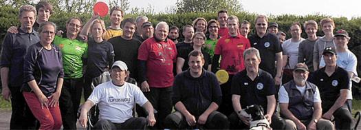 Die Teilnehmer des 1. Westfälischen Team-Cups am 1. Mai 2014 in Lünen.