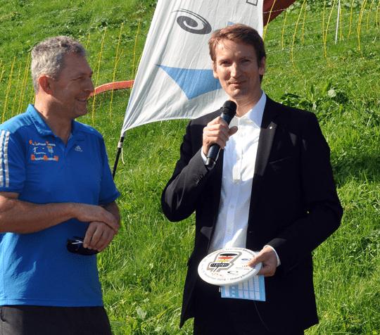 Schirmherr Patrick Sensburg, MdB, eröffnet gemeinsam mit DGA-Sportdsirektor Wolfgang Kraus die 31. Discgolf-DM.